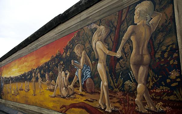 "East Side Gallery - Henry Schmidt: ""Vergesst mir die Liebe nicht"""