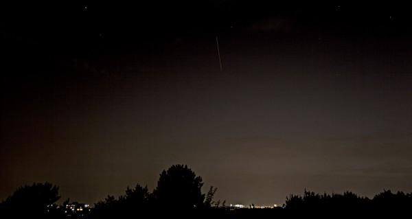 21. August 2012, 21:30:27 Uhr, ISS über München (Belichtungszeit: 21 s, Brennweite: 24 mm)