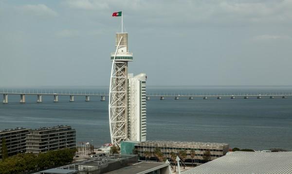 Blick aus dem VIP Executive Art's Hotel Lissabon: Torre und Ponte Vasco da Gama