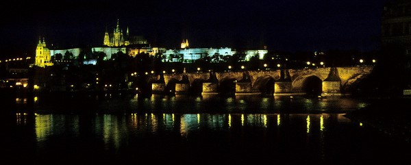 Prag: Moldau, Karlsbrücke, Nikolauskirche, Burg, St.-Veits-Kathedrale