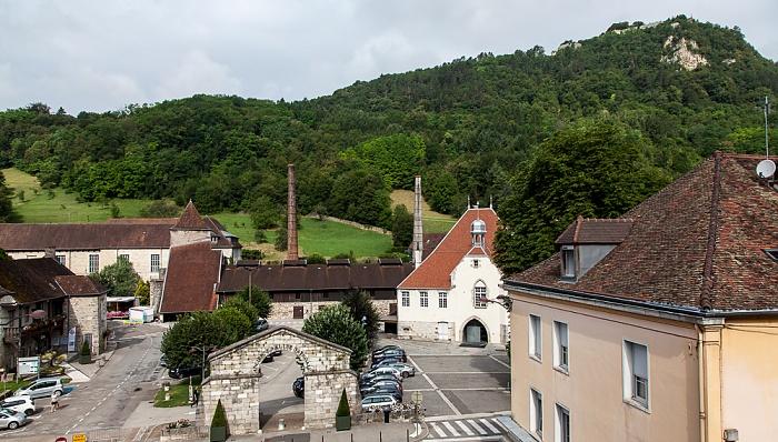 Die 100 Meter vom Hôtel des Deux Forts zu den Salines de Salins-les-Bains